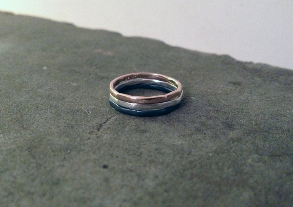 redsilverblackrings